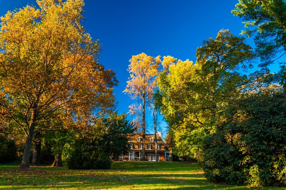 Mansion and autumn colors in Longwood Gardens, Pennsylvania..jpeg